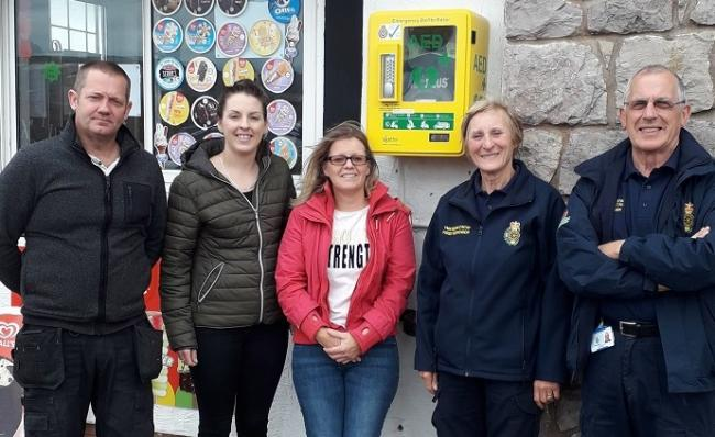 Nick Williams, Kirsty (staff member), Julie Williams, Janet Davies, co-ordinator at Abergele Community First Responders, and Phil Mann Abergele First Responder. Nick and Julie are the owners of Pantri Bach