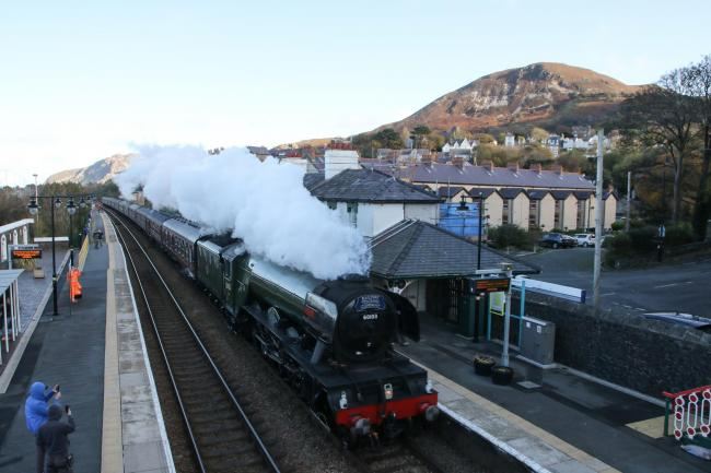 The Flying Scotsman passes through Penmaenmawr. PICTURE: Kerry Roberts.
