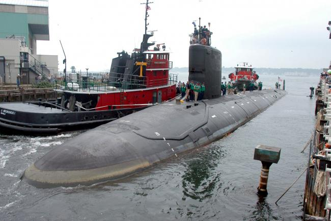 US navy engineer charged with trying to pass secrets about nuclear-powered  subs | Rhyl Journal