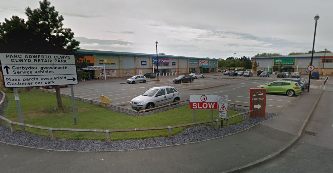 Supermarket Iceland plans to expand into Clwyd Retail Park, just off the A525. Picture: Google Maps