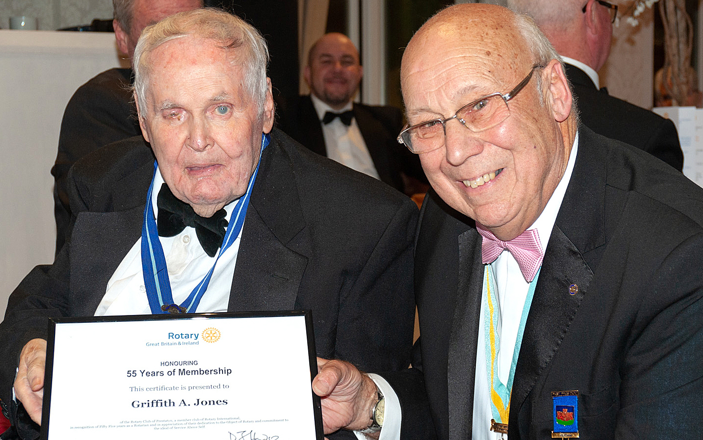 Griff Jones receives his long service certificate from Assistant District Governor Terry Bolton. Picture: Chris Porteous Prestatyn