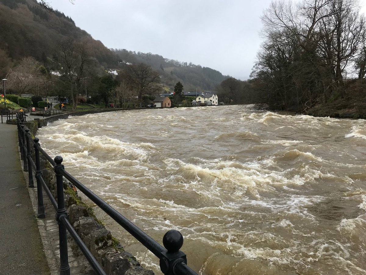 The River Dee at Llangollen at 2pm on Sunday. PICTURE: @RoundLlangollen