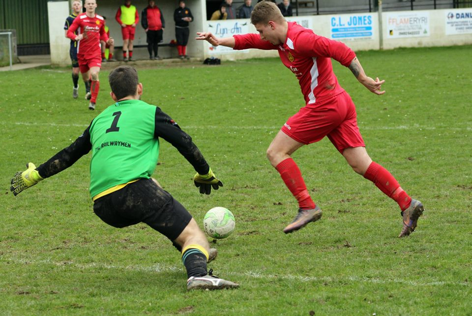Llanrwst United will take on Llangefni Town in the Mawddach Challenge Cup final