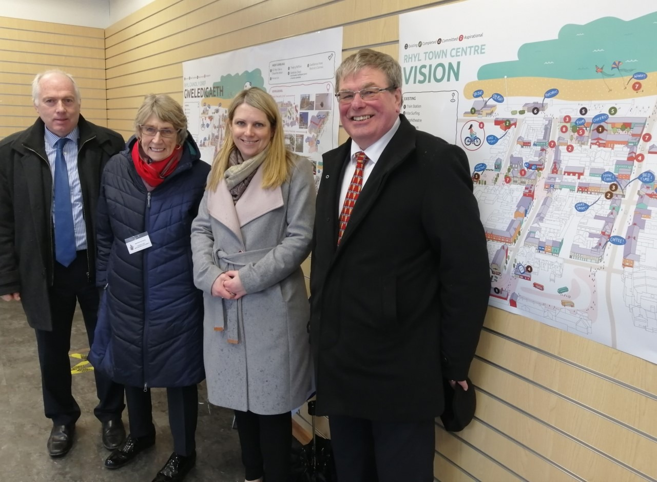 Cllr Hugh H Evans, Denbighshire County Council Leader & Lead Member for the Economy, Cllr Win Mullen James - Mayor of Rhyl Town Council, cllr Peter Scott – Chairman of Denbighshire County Council with Housing and Regeneration Minister Hannah Bly