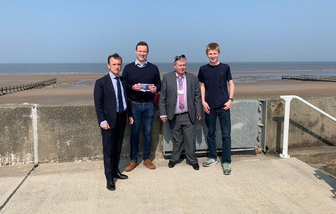 Secretary of State for Wales Alun Cairns with cllr Gareth Davies, cllr Tony Thomas and Jonathon Dawes, Member of Welsh Youth Parliament