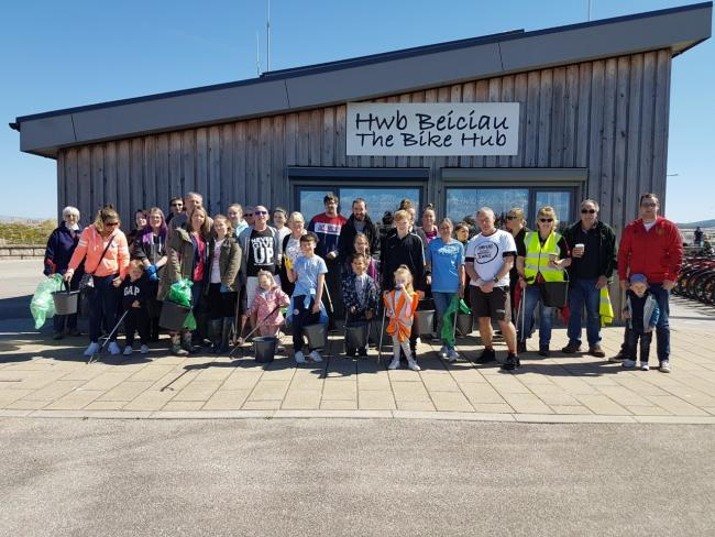 Volunteers of Rhyl Surfers Against Sewage cleared 120 kg of rubbish
